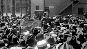 Η Έμμα Γκόλντμαν Απαγγέλει Λόγο σε ένα Συλλαλητήριο Ενάντια στην Στρατολόγηση
